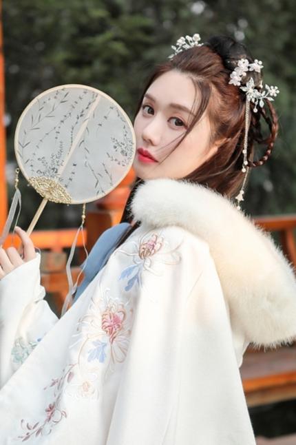 模特诗诗 汉服拍摄 古风拍摄 旗袍披肩拍摄 模特拍照