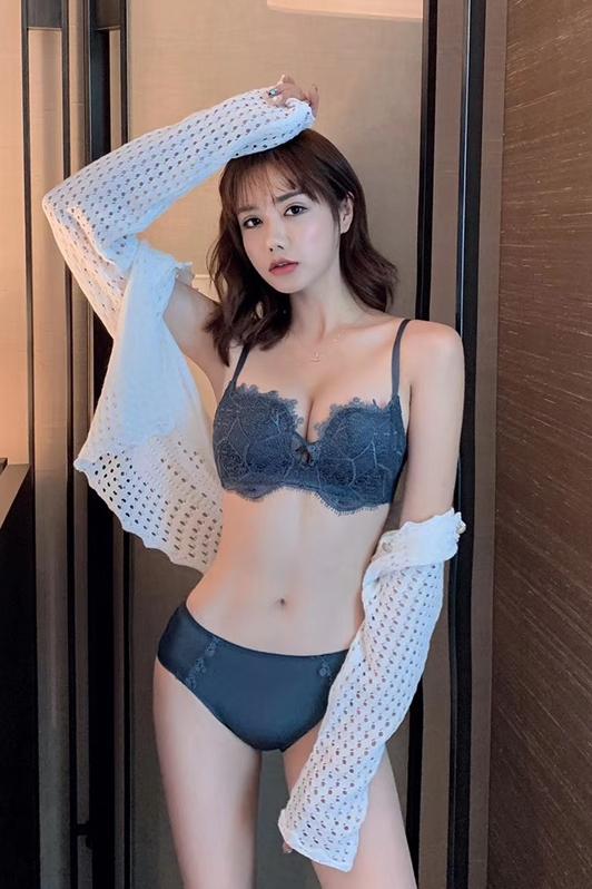 模特 李悦琪