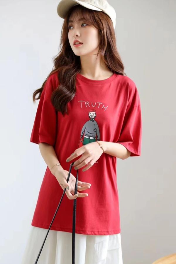 模特小钉T恤拍摄短袖拍摄印花韩版T恤拍摄