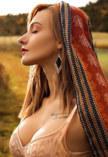 SZ-外国女模