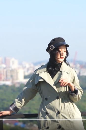 模特十七 风衣服装主图视频拍摄