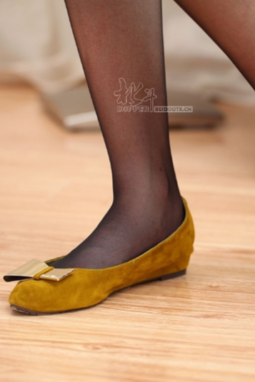 鞋子脚模拍摄