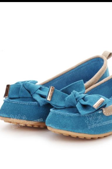 女鞋豆豆鞋拍摄