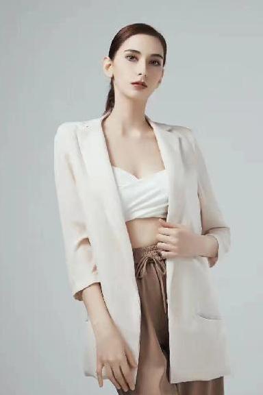 混血模特-NANA