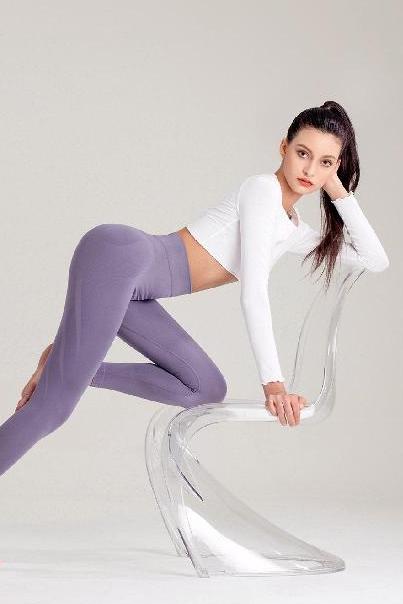 模特 - Karol