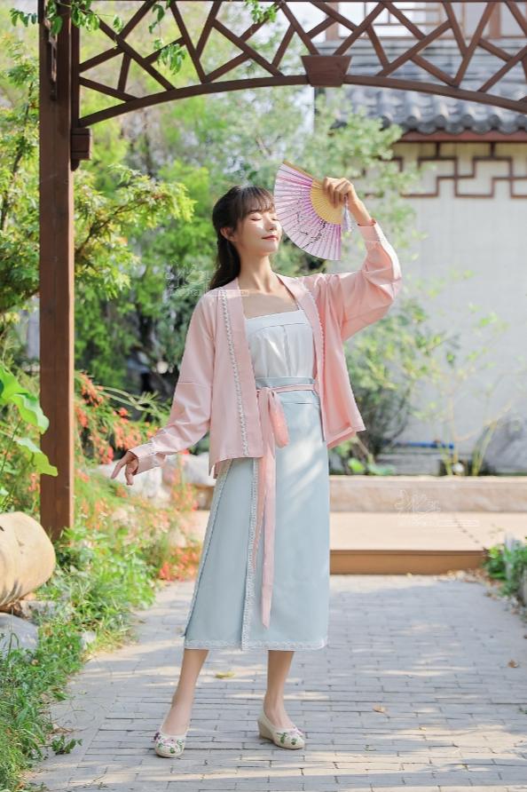 宋制汉服中式改良现代旗袍中式复古女装模特拍摄拍照