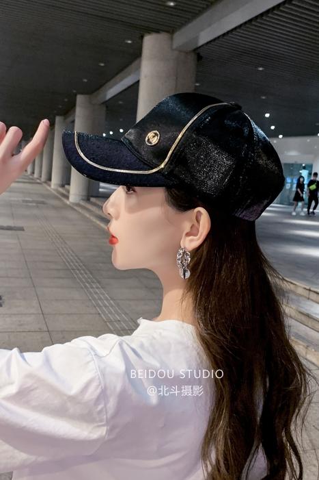 模特耽耽 帽子拍摄