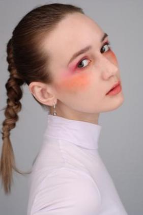 模特-LIKA